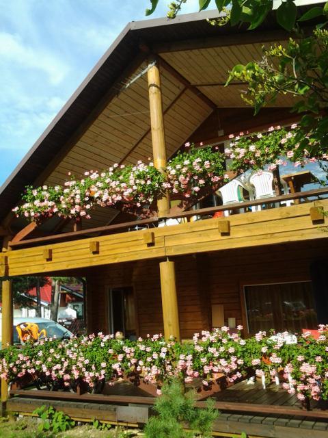 Villa Rojus ökologisches Rundstammhaus in Sventoji Palanga in der Nähe der Monkey Brücke
