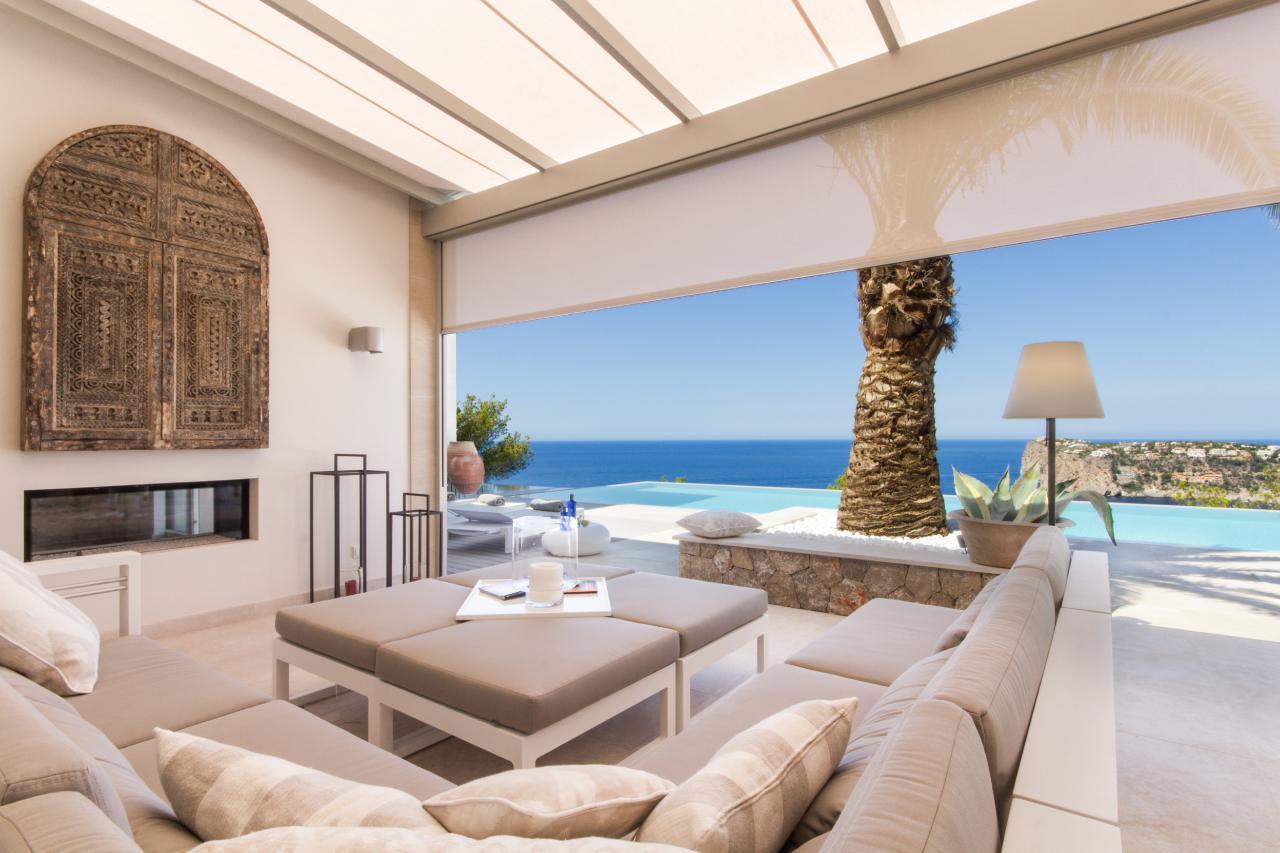 Luxusvilla mit fantastischem Meerblick und ganzjährigen Sonnenuntergängen