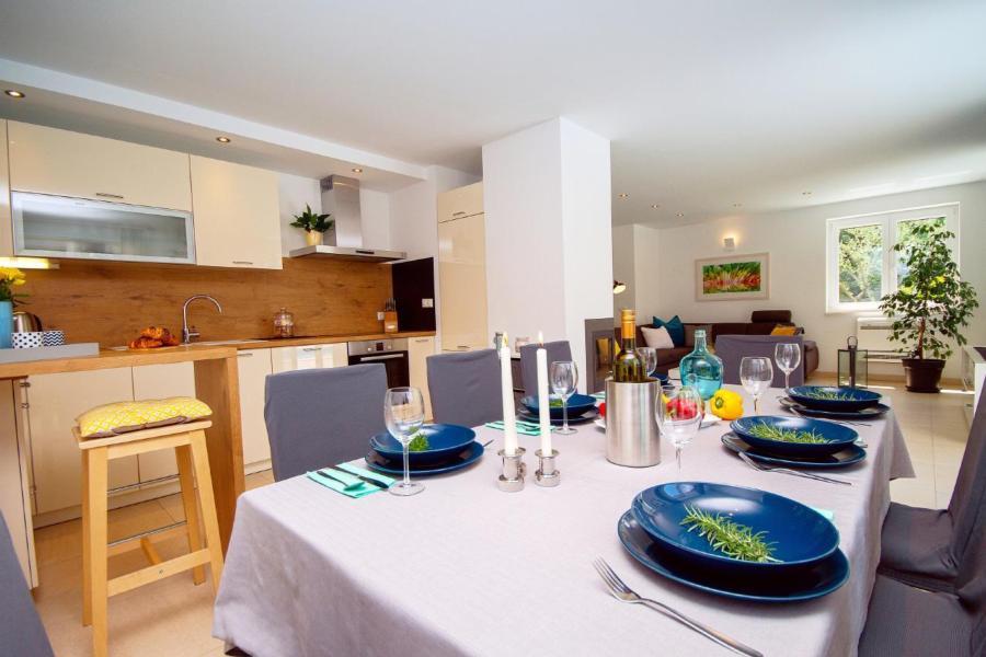 Sommerküche Für Terrasse : Ferienhaus tugare mit terrasse oder balkon für bis zu personen