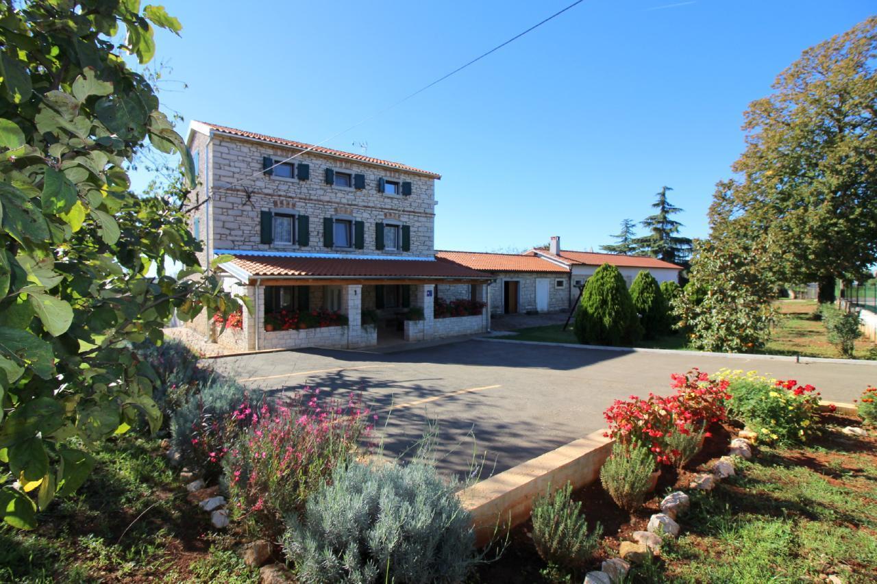 Ferienhaus für 12 Personen ca. 140 m² in  in Kroatien