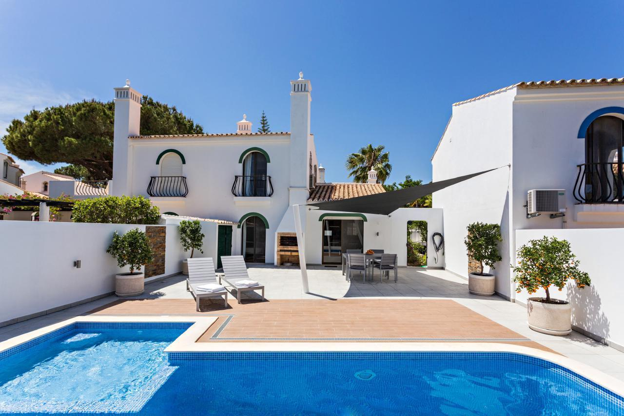 Dunas Luxury Villa: private heated pool with kid section & fence, walk to beach