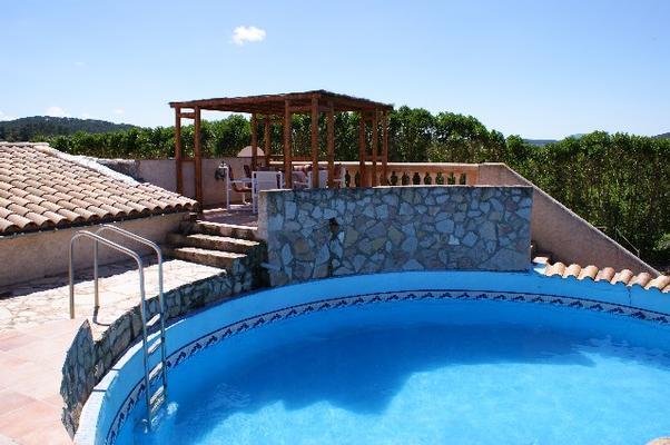 Finca es molina con piscina para 6 personas centro mallorca for Alberca para 8 personas