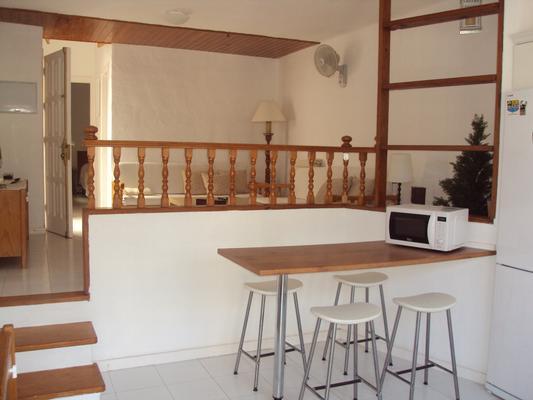 wohnung f r 1 4 personen 50 meter von der k ste. Black Bedroom Furniture Sets. Home Design Ideas