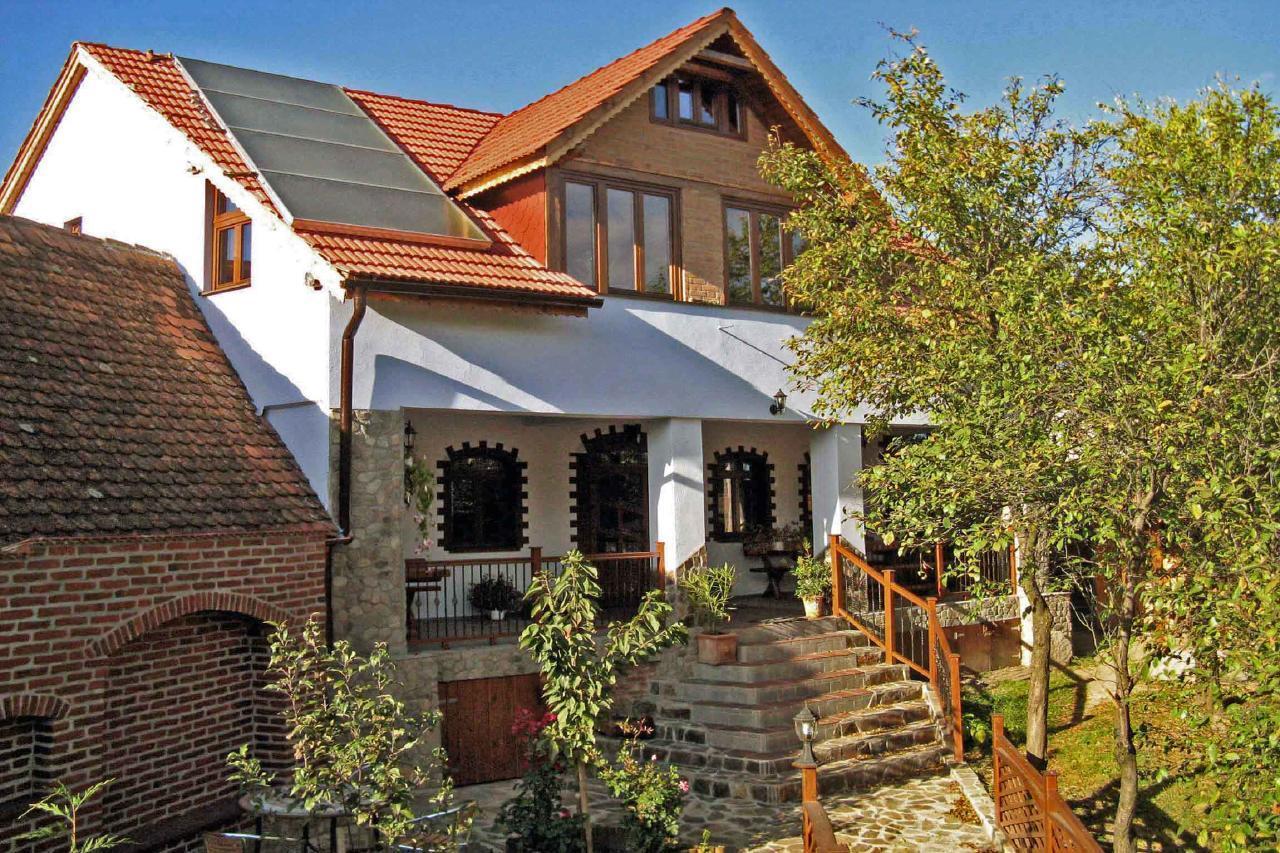 VILLA CRINA Ferienhaus für besondere Ansprüche am Fuße der Karpaten bei Hemannstadt Sibiu Siebenbürgen Transsilvanien Rumänien