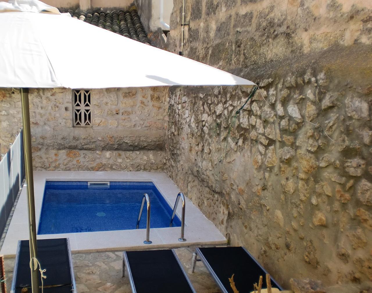WOHNUNG IN DEN BERGEN Für 4 Personen Mit Schwimmbad