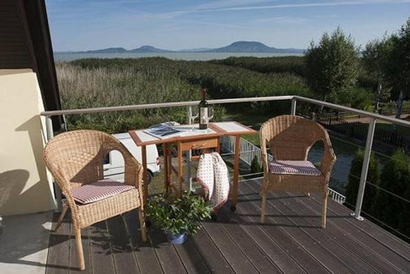 Ferienhaus für 4 Personen direkt am See am Ba  in Europa
